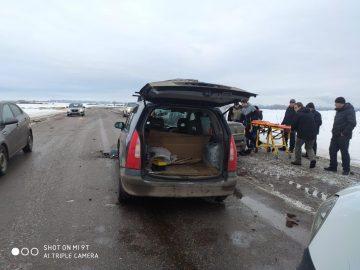 В Уфе столкнулись Mazda и Datsun: пострадали четыре человека, в том числе 6-летняя девочка