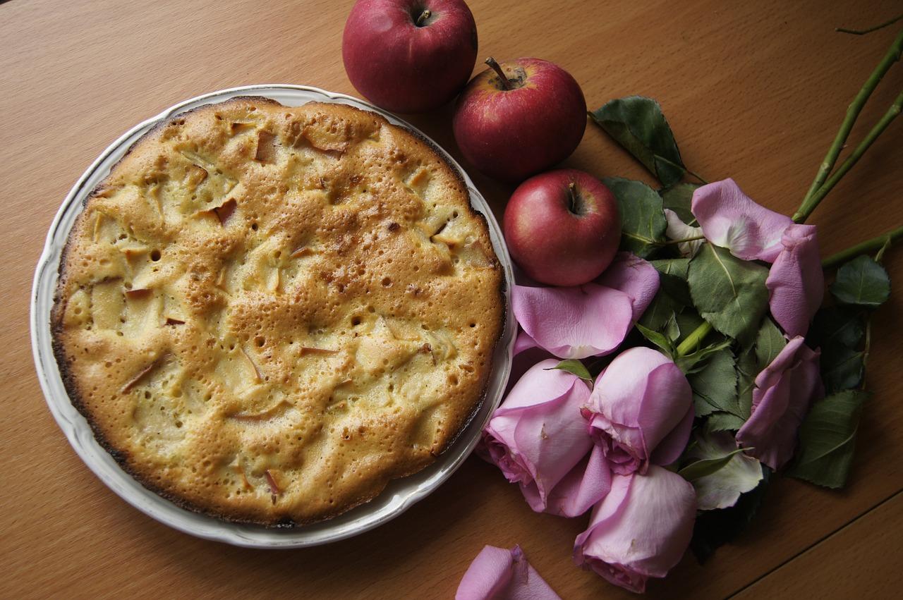 Рецепт пирога с яблоками шарлотка в картинках звездопад картинки