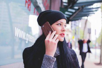 Эксперт рассказал, как и кто прослушивает смартфоны