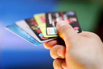 Из-за ситуации в Белоруссии россияне могут остаться без банковских карт