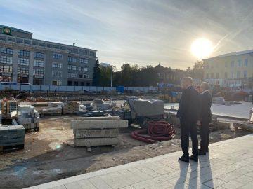 Глава Башкортостана оценил ход реконструкции Советской площади в Уфе