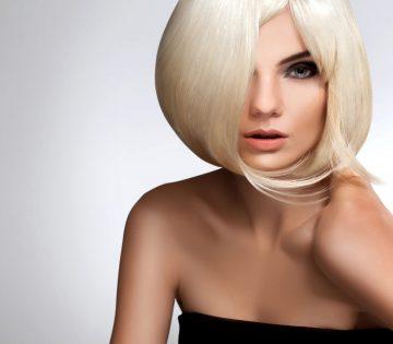 Стилисты назвали стрижки, которые превратят тонкие волосы в объемные и роскошные