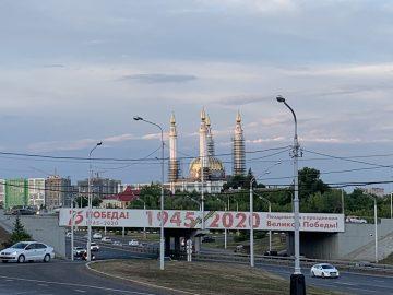 Внедостроенной Соборной мечети «Ар-Рахим» в Уфе провели первое богослужение