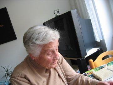 В апреле некоторым пенсионерам дополнительно выплатят по 10000 рублей