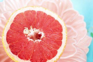 Медик заявила об опасности грейпфрута для больных коронавирусом COVID-19