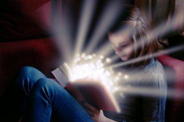 У человека в детстве могут проявляться ясновидение и способность общаться с покойниками