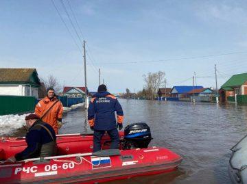 МЧС: Жителей села Азнаево в Башкирии эвакуировали из-за поднявшегося уровня реки