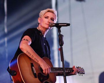 Арбенина раскритиковала музыкальную премию Муз-ТВ и отказалась отвыступлений